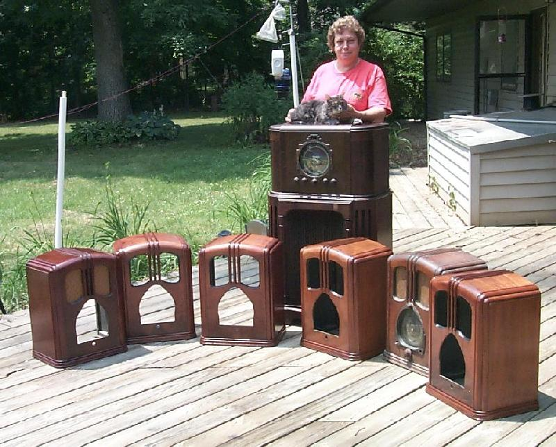 - John &Jean Antique Radio Collectors